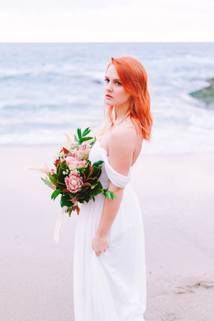 beach bride sunset bouquet