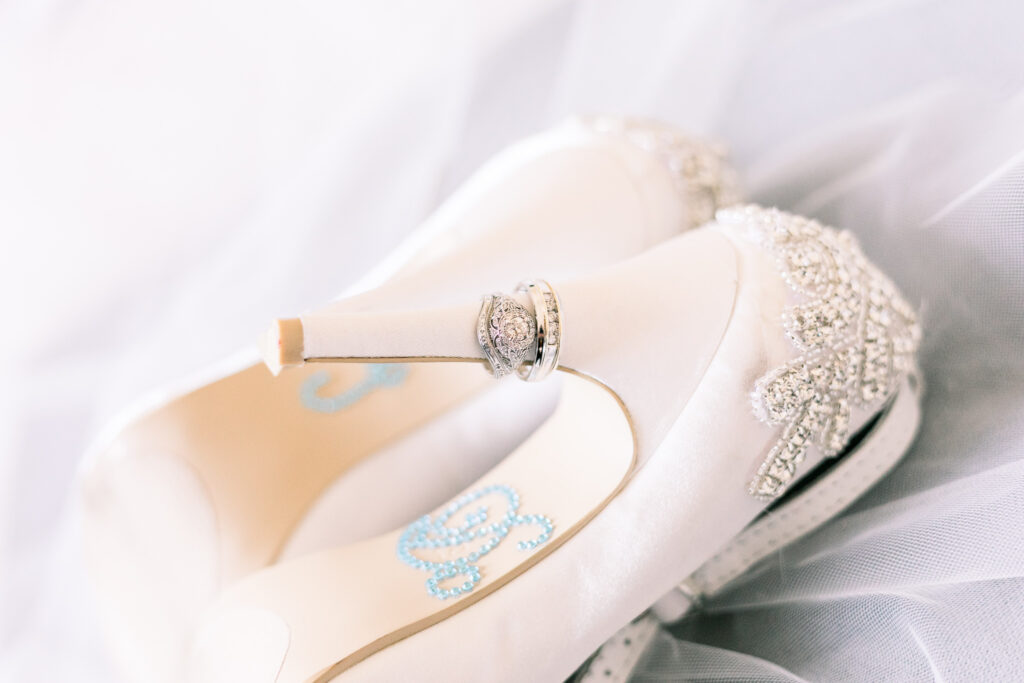 vintage glam wedding accessories